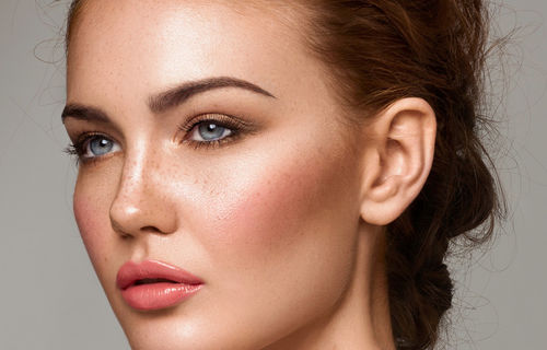 MAKEUP TIPS FOR A BEAUTIFUL SUMMER TIME MAKEUP