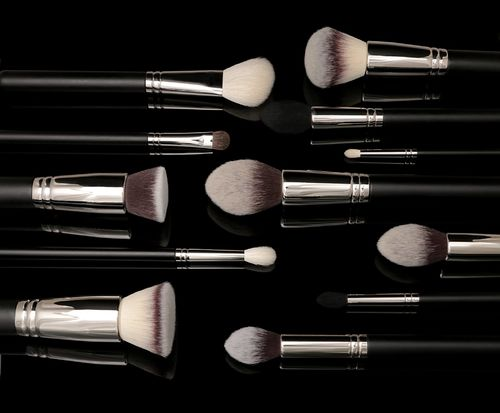 When To Throw Away Your Makeup Brushes Even Makeup Brushes Expire!